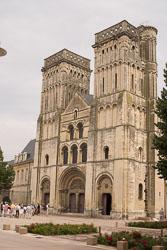 Caen,-Abbaye-aux-Dames,-Eglise-de-la-Ste-Trinité-001.jpg