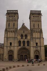 Caen,-Abbaye-aux-Dames,-Eglise-de-la-Ste-Trinité-003.jpg
