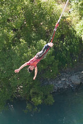 Karawau_Bridge,_Bungy_Jumping_009.jpg