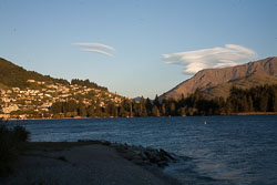 Lake_Wakatipu,_Eyre_Mountains,_Queenstown-006.jpg