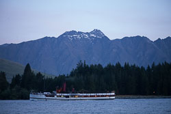 Lake_Wakatipu,_Eyre_Mountains,_Queenstown_-009.jpg