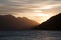 Lake_Wakatipu,_Eyre_Mountains,_Queenstown_-035.jpg