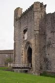 Middleham_Castle_-002