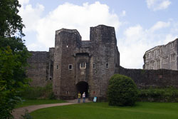 Berry_Pomeroy_Castle_-002.jpg