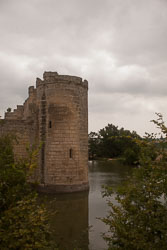 Bodiam_Castle_-009.jpg