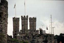Caernarfon_Castle_-001.jpg