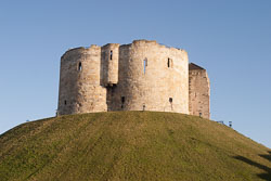 Clifford's-Tower--002.jpg