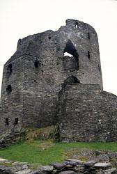 Dolbadarn_Castle_-004.jpg
