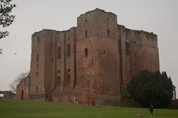Kenilworth_Castle_-017.jpg