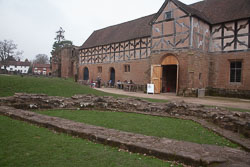 Kenilworth_Castle_-033.jpg