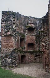 Kenilworth_Castle_-039.jpg