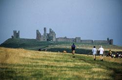 Dunstanburgh_Castle_-005.jpg