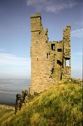 Dunstanburgh_Castle_-031.jpg