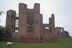 Kenilworth_Castle_-020.jpg