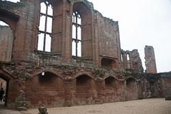 Kenilworth_Castle_-142.jpg