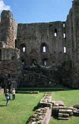 Norham_Castle_-012.jpg