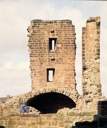 Penrith_Castle_-003.jpg