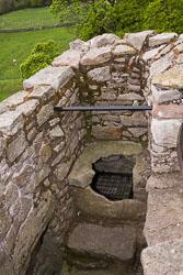 Craigmillar_Castle_-070.jpg