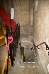 St_Wilfrid's_Crypt,_Ripon_Cathedral_-001.jpg