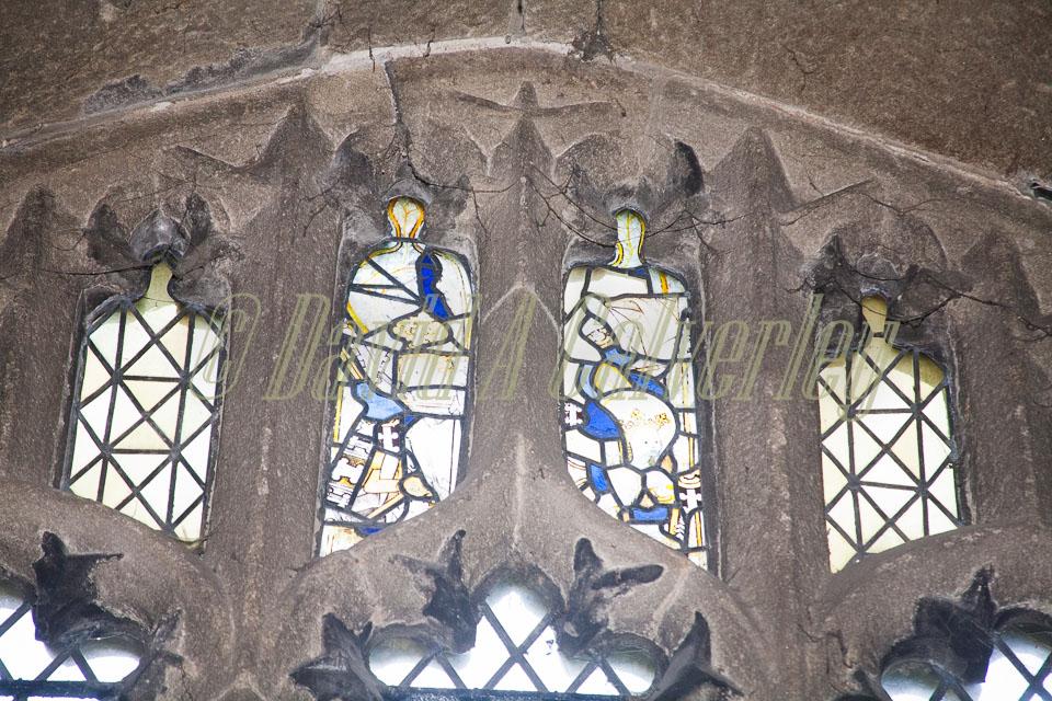 All_Hallows_Church,_Kirkburton-001.jpg