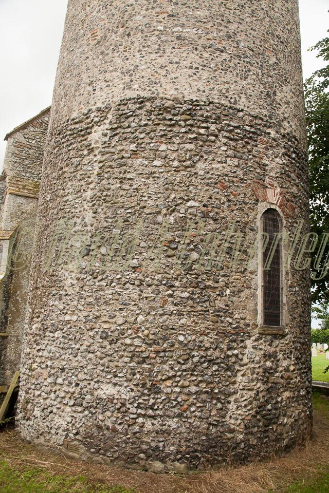 Burgh_Castle_Church_006.jpg