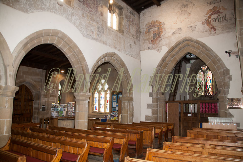 Eyam_Parish_Church_-019.jpg