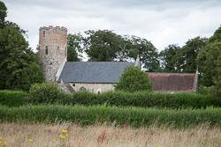 Burgh_Castle_Church_000.jpg