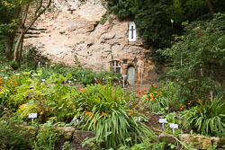 Chapel_Of_Our_Lady_In_The_Crag,_Knaresborough_-008.jpg