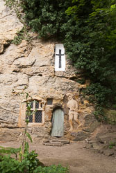 Chapel_Of_Our_Lady_In_The_Crag,_Knaresborough_-009.jpg