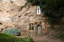 Chapel_Of_Our_Lady_In_The_Crag,_Knaresborough_-010.jpg