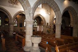 Eyam_Parish_Church_-020.jpg