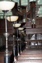 Lincoln's_Inn_Chapel_-009.jpg
