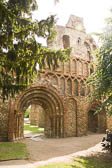 St_Botolph's_Priory,_Colchester-003