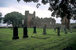 Lindisfarne_Priory-001.jpg