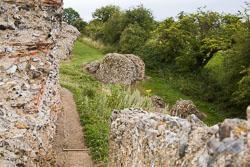 Gariannonum,-Burgh-Castle-Roman-Fort-016.jpg