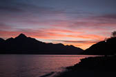 Lake_Wakatipu,_Eyre_Mountains,_Queenstown-001