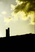 Victoria_Tower,_Castle_Hill,_Huddersfield-002