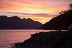 Lake_Wakatipu,_Eyre_Mountains,_Queenstown-002.jpg