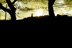 Victoria_Tower,_Castle_Hill,_Huddersfield-001.jpg