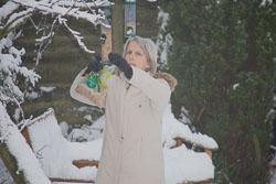 Diane_Feeding_Birds_003.jpg