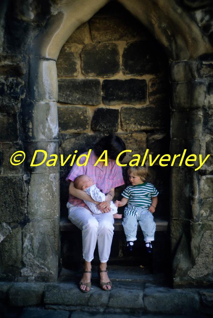 Kirkstall_Abbey-059.jpg