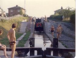 Venture_Scouts,_Llangollen_Canal,_1976-004.jpg