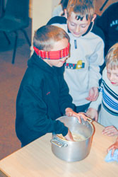 Indoor_Activities,_K_2003,_037.jpg