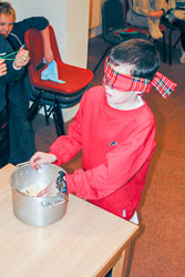 Indoor_Activities,_K_2003,_045.jpg