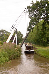 Llangollen_Lift_Bridge_016.jpg