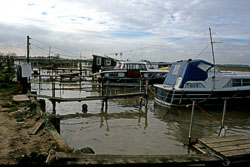Boat003.jpg