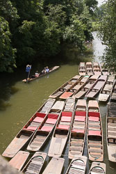 Punts,_River_Cherwall,_Oxford_002.jpg