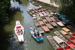 Punts,_River_Cherwall,_Oxford_006.jpg