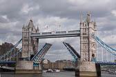 Tower-Bridge--505