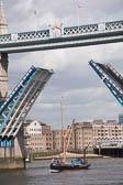 Tower-Bridge--511